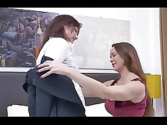 Dewasa xxx video - free lesbian seduction video